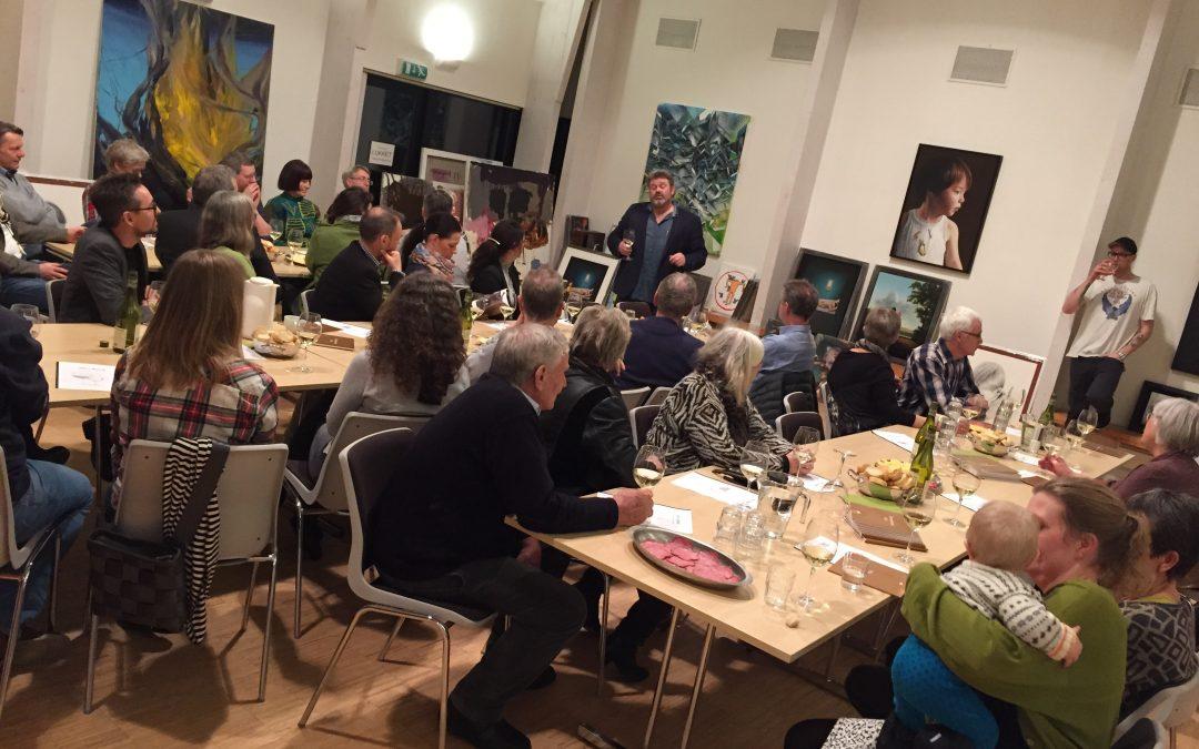 Kunst og vin-aften med Kent Wolfsen