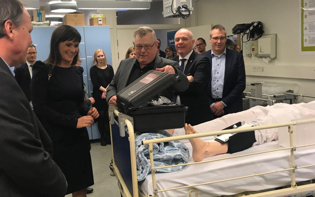 Innovationsminister besøger Aalborg Universitetshospitals unikke Ideklinik